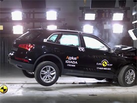 Audi Q5 - Crash Tests 2017