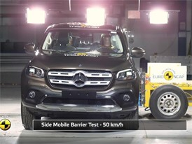 Mercedes-Benz X-Class - Crash Tests 2017