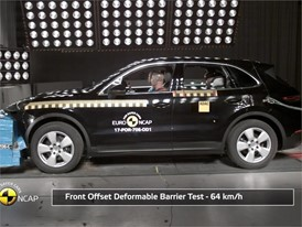 Porsche Cayenne - Crash Tests 2017