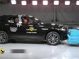Jaguar F-Pace - Crash Tests 2017