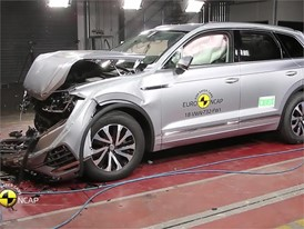 VW Touareg - Crash Tests 2018