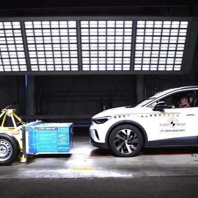 VW ID.4 - Crash & Safety Tests - 2021