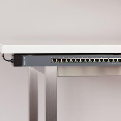GSS116E Desk2 Belly Horiz MedRes