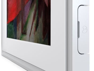 MC321WL 21-CloseUp-Transparent-vertical-White