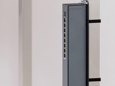 GSS108E DeskLeg2 Spine Vert MedRes