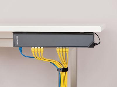 GSS116E Desk2 Spine Wired Horiz MedRes