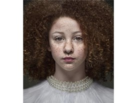 Best Portrait Photographer - Sarah Wilkes Simple Beauty