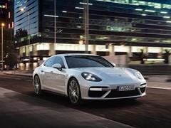 New Panamera and 911 models celebrate world premiere