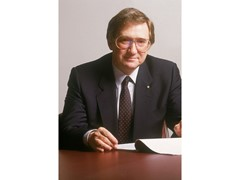 Former Porsche AG CEO Peter W. Schutz Passes Away