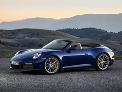 High-tech soft top for the new Porsche 911 Carrera Cabriolet