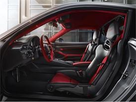 P17 0662 a5 rgb 911 GT2 RS Interior