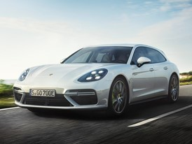 The most powerful Sport Turismo becomes a plug-in hybrid