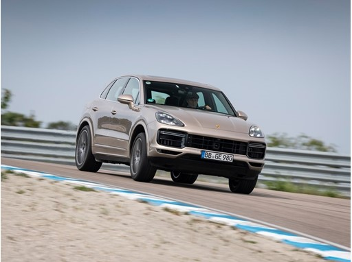 Porsche Cayenne Turbo S E-Hybrid - Swedish Gotland Ring