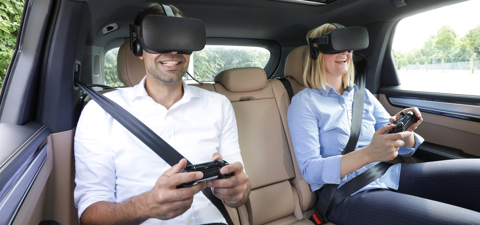 Porsche presents VR entertainment for the back seat