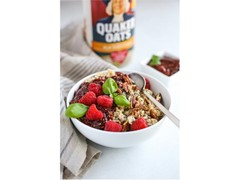 Balsamic Raspberry Chia Oatmeal Bowl