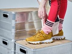 """""""山暮らしの服""""をテーマに高い人気を誇る「MOUNTAIN RESEARCH」とトレイルランニングから着想を得た初コラボレーション「DMX TRAIL SHADOW」2020年4月24日(金)発売"""