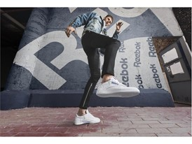 """若手注目アーティスト""""マシン・ガン・ケリー""""がビジュアルに初登場 コート系スニーカーの名作モデル「CLUB C」の秋冬シーズンモデル 2017年8月下旬より発売開始"""