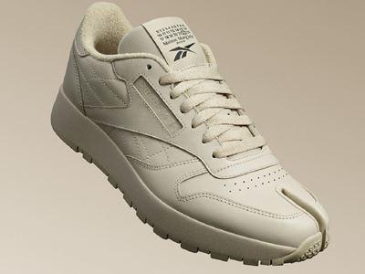Maison Margiela x Reebok Classic Leather Tabi beige