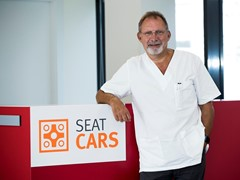 Toni Bové Signs On With Seat