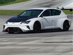 The electric touring racecar CUPRA e-Racer drives for the first time on a race track