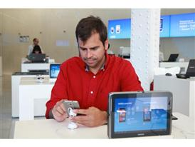 Pablo Barrios, head of Digital Marketing at SEAT, surrounded by a diverse collection of devices