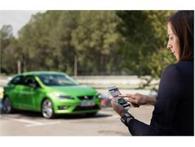 The Full Link system enables sharing the content of the mobile phone with the car