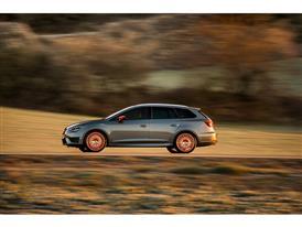 SEAT Leon CUPRA 290, exterior, dynamic shot, side view