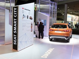 SEAT presents the Connected Sharing project, which integrates transportation solutions based on carsharing