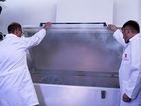 The humidity and salt spray chamber simulates coastal and alpine climates