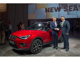 President of SEAT, Luca de Meo and The Mayor of Arona, D. José Julián Mena Pérez with the New SEAT Arona