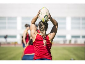 Aroa plays in the hooker position in the national team and her own club, INEF Barcelona Rugby