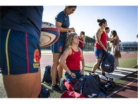 The trademark hairstyle of the Spanish women's rugby captain shows she is ready to battle
