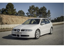 The first version of the SEAT Leon CUPRA, launched in 2000, was the company's first model to exceed the 200 hp barrier