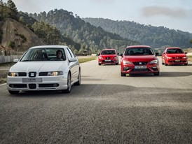 17 years and 100 hp separate these four versions of the SEAT Leon CUPRA