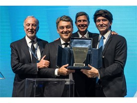 Luca de Meo receives the Alumnus of the Year award from Bocconi University