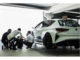 MAIDEN DYNAMIC TEST OF THE CUPRA E-RACER WITH JORDI GENÉ AT THE WHEEL