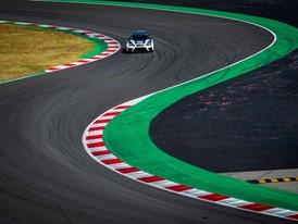 The CUPRA TCR accelerates to 100 km/h in 5.2 seconds