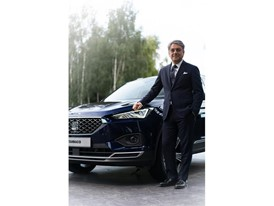 Luca de Meo and the new SEAT Tarraco at Paris Motor Show