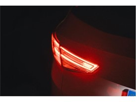 Incorrect use of the rear fog lamps could cause excessive glare: they should only be turned on in extreme conditions of