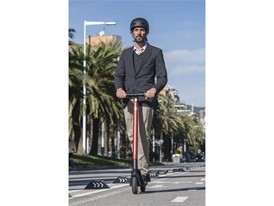 SEAT takes its first step towards its micromobility strategy with the new eXS KickScooter