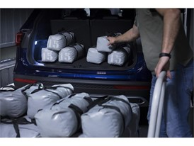 The vehicle is loaded with up to 350 kilos to verify that the light beam maintains a consistent angle