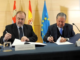 SEAT donates vehicles to the Regional Government of Castilla y León for Vocational Training centres in automotives