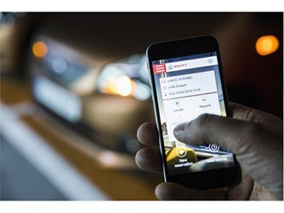 A mobile app enabes vehicles to be reserved with a single click and a digital key is obtained to access them