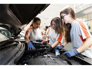 The teaching programmes have been widened and adapted to the needs of the automotive industry