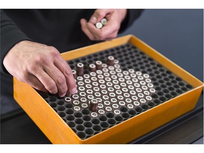 The battery is made up of 23 panels with a total of 6,072 battery cells, generating the same power as 9,000 mobile phone