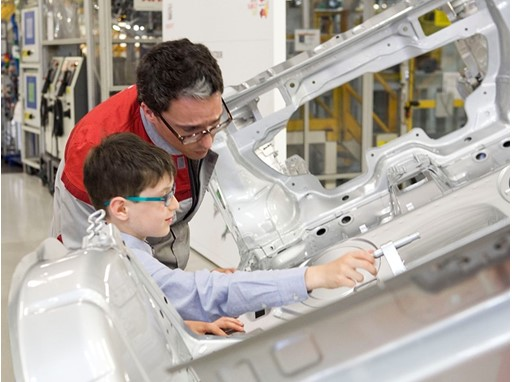 A British boy who is a devoted SEAT fan fulfils his dream of visiting the company's headquarters in Martorell