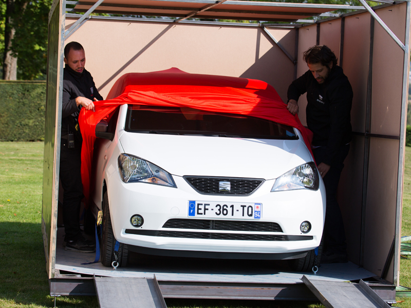 The campaign was developed in France and successfully concluded with the sale of 24 SEAT Mii by Mango (1)