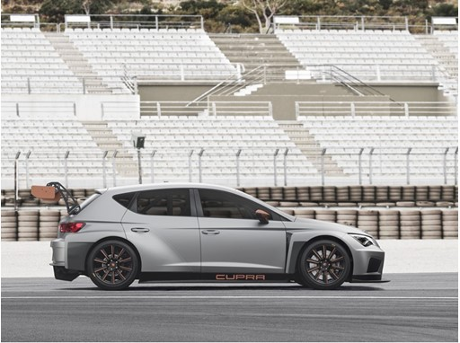 Renewed thrills at the wheel at the SEAT Leon CUPRA Eurocup online 2017