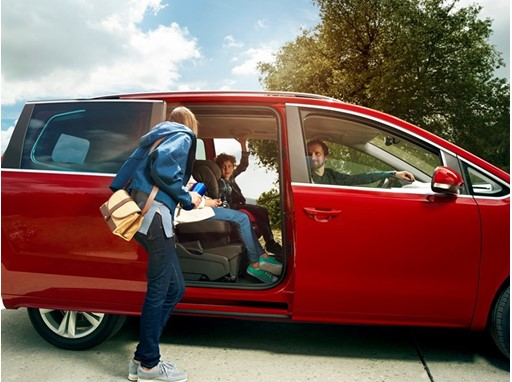 SEAT adds new Xcellence trim to Alhambra for more elegance and technology