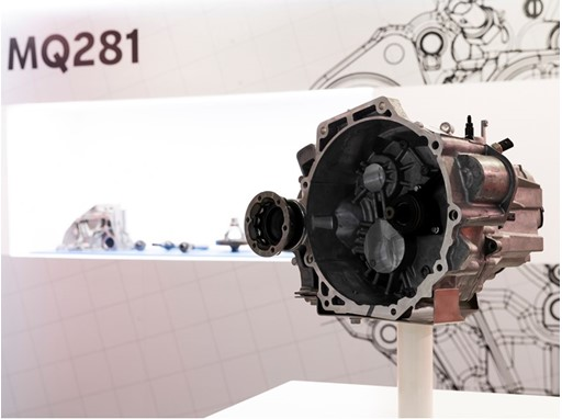 SEAT starts production of the new gearbox MQ281
